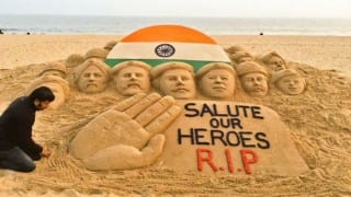Sudarsan Pattnaik, renowned sand artist, pays tribute to Pathankot martyrs