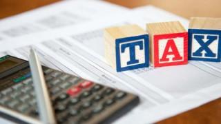 DLF, Indiabulls, Apollo Tyres fall on Panama tax documents