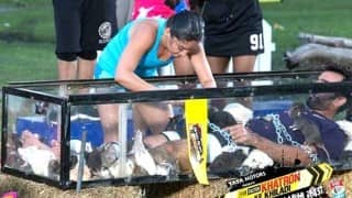 Khatron Ke Khiladi season 7: Ewww! Mahi Vij dunks her face into a box full of dead fish!