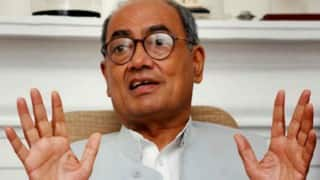 Vyapam scam: Digvijay Singh faces non-bailable arrest warrant, will be in court tomorrow