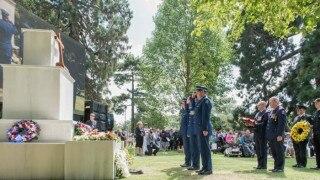 Christchurch commemorates devastating quake