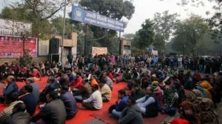 MCD strike enters Day 13: Workers protest outside Delhi Deputy CM Manish Sisodia's residence