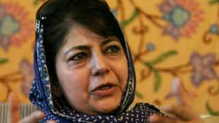Mehbooba Mufti offers prayers at Mufti Sayeed's grave