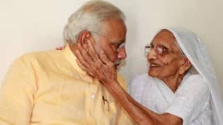 Post Big Win in Lok Sabha Election 2019, PM Narendra Modi to Seek Mother Heeraben's Blessings in Gujarat Today