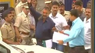 Bollywood actor Sanjay Dutt walks free out of Yerawada prison