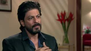 Shah Rukh Khan goes 'tanned, scruffy, kohl-eyed' for 'Raees'