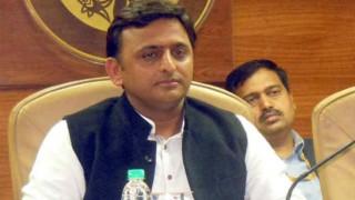 Uttar Pradesh Chief Minister Akhilesh Yadav declared 'Man of the Match' in CM XI vs IAS XI match