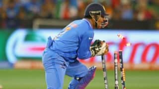 Mahendra Singh Dhoni unhappy with umpires using ear piece
