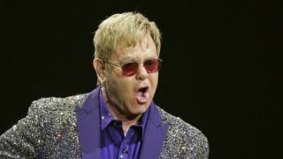 Elton John accuses Janet Jackson of 'lip-syncing'