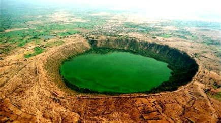 51 amazing natural wonders of the world: Lonar Lake