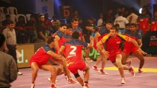 प्रो कबड्डी लीग: घर में लगातार दूसरी हार के साथ दिल्ली की उम्मीदें खत्म