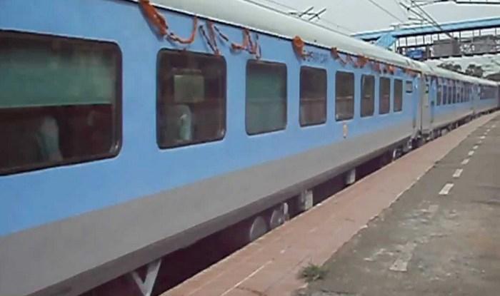 Railways in Trouble With EC as Tea Cups Carry 'Main Bhi Chowkidaar' Slogan
