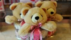 Indian designers lend creativity to teddy bears for V-Day