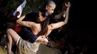 Barack Obama and Michelle Obama dance the Tango at Argentina state dinner