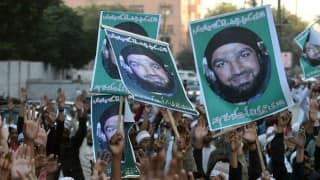 Mumtaz Qadri's supporters hold Islamabad's 'red zone' under siege