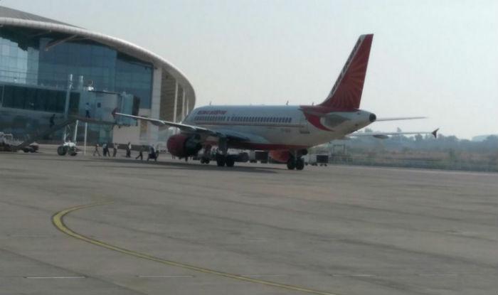 Bird Hit Forces Emergency  Landing of Mumbai bound Air India flight 634 at Bhopal airport - NDTV