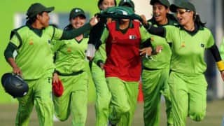 Pakistan women beat India by 2 runs through D/L method in ICC Womens World T20 2016