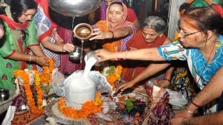 Maha Shivratri 2019: महाशिवरात्रि व्रत रखने से क्या फल मिलता है ? ये व्रत क्यों है जरूरी?