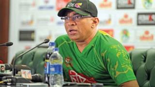 अब बांग्लादेश के कोच भी अपनी टीम से नाराज़ हुए