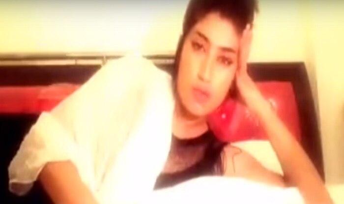 Pakistani Model Qandeel Baloch to Strip Naked If Pak