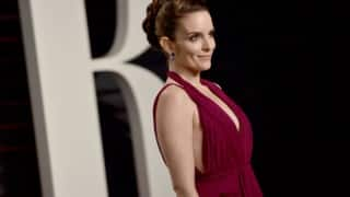Tina Fey mocks Oscars, calls it