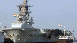 INS Viraat hosts families of Naval personnels