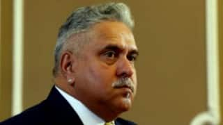Ticket-less lady traveller says won't pay fine, catch Vijay Mallya first
