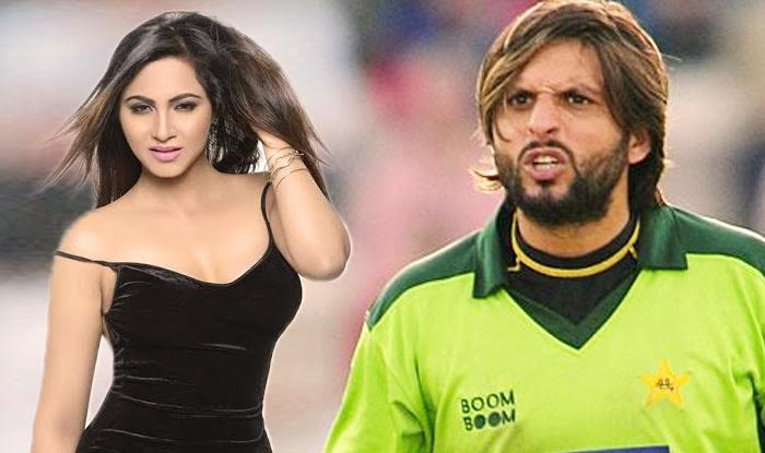 Arshi Khan Apologises to Shahid Afridi for her Infamous Tweet on JuzzBatt?