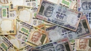 Demonetisation Day 31: More than Rs 220 crores, including new Rs 2000 notes, seized in raids after note ban