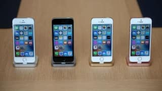 15 Pictures of the iPhone SE that will make you wish April was here already!