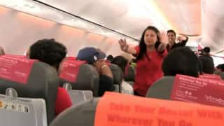 SpiceJet crew dances to celebrate Holi with on-board passengers (Video)