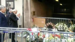 Narendra Modi pays tribute to victims of the Malbeek Metro station blast in Brussels (Video)
