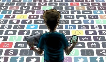 Social media sites Facebook, Twitter, Instagram pushing us into depression, suggests survey!