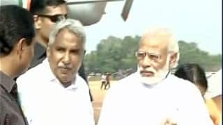 Temple fire: Narendra Modi in Kollam to see injured
