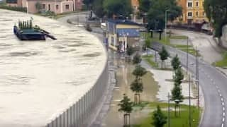 Austria created an amazing mobile wall to save their city from floods - and it worked!