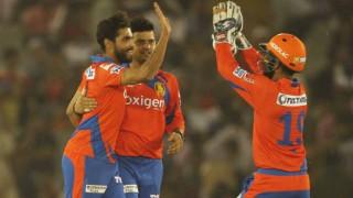 IPL 2016: Gujarat Lions beat Mumbai Indians by 3 wkts