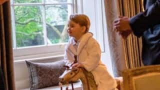 When the adorable Prince George greeted Barack Obama in cute white pyjamas! (View Viral Images)