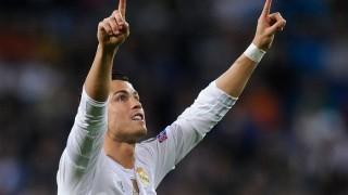 Cristiano Ronaldo's late strike helps Real Madrid defeat Barcelona 2-1 in Spanish La Liga 2015-16