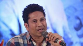 Sachin Tendulkar tuns 43, B-Town wishes their cricket icon