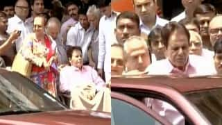 Veteran actor Dilip Kumar discharged from the Lilavati hospital