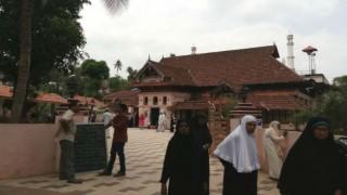 1000-year old Juma Masjid in Kerala open its doors for women