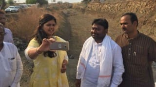 Latur water crisis: BJP minister Pankaja Munde finds photo opportunity in drought-hit district