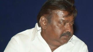 DMDK chief Vijayakanth threatens to slap journalists during election campaign in Tamill Nadu