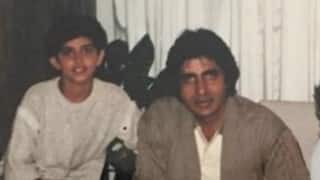 Hrithik Roshan posts throwback pic of his fan moment with Amitabh Bachchan