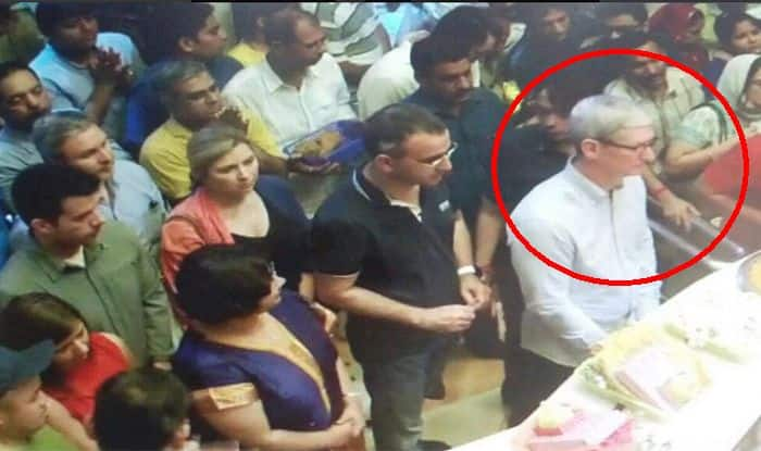 Tim Cook visits Siddhivinayak temple, reminds us of Steve