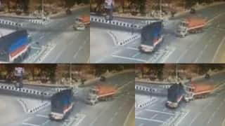 Telangana: Trucks sandwiches car in Nizamabad, kills 5 people instantly (Watch Video)