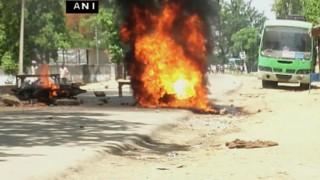 Sudesh Paswan murder: Pilot vehicle of Jitan Ram Manjhi's convoy set on fire in Dhumria