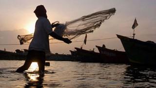 Philippines detains 25 Chinese, 18 Vietnamese fishermen