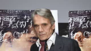 Jeremy Irons to return as Alfred in 'Justice League'