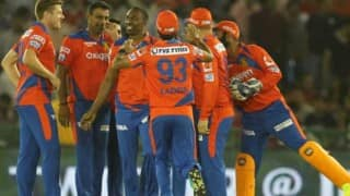 GL beat MI by 6 wkts, qualify for play-offs | LIVE Score Gujarat Lions (GL) vs Mumbai Indians (MI) IPL 2016 Match 54: GL 173/4 in 17.5 Overs